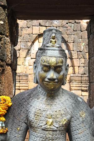 radiating: Radiante Bodhisattva Avalokitesavara Questa � la statua in Mueang canta parco storico di un luogo di storia e cultura Kanchanaburi, in Thailandia