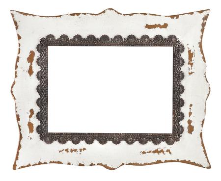 古い金属の白い背景に分離された素朴な額縁