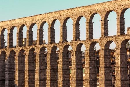 Foto des antiken römischen Aquädukt in Segovia, Spanien Standard-Bild - 69958483