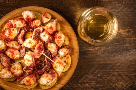 Pulpo a la gallega, 전통 스페인 갈리시아 요리 스톡 콘텐츠
