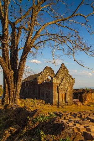 linga: Vat Phou or Wat Phu