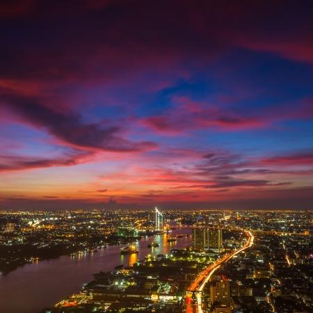Bangkok Stadt in der Dämmerung