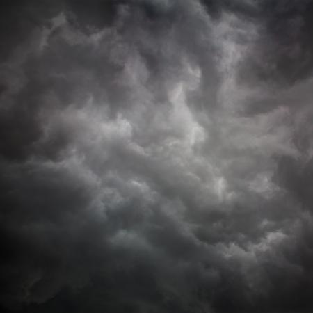 雷嵐の前に、の嵐の雲の背景