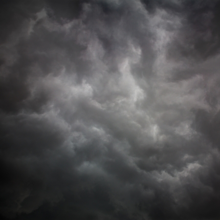 Background of storm clouds before a thunder-storm Imagens - 20072121