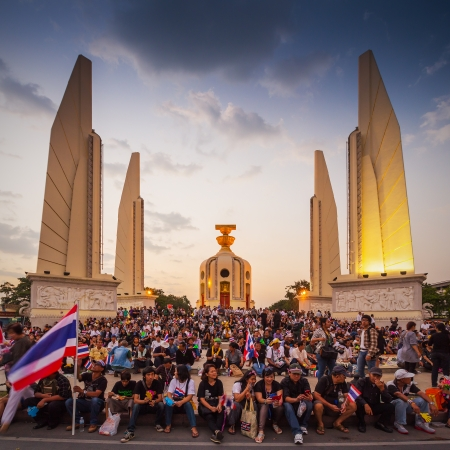 BANGKOK,THAILAND- NOVEMBER 4 : Unidentified protesters protest by against the government corruption and the controversial amnesty bill at Democracy monument, on November 4, 2013 in Bangkok THAILAND  Stock Photo - 23492882