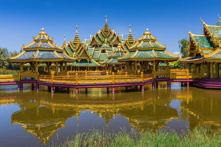 illuminati: Illuminato municipio � sito nella citt� antica, Samut Prakan, Thailandia