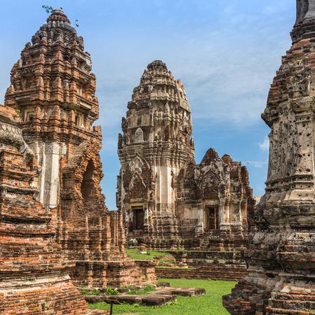 thailand culture: Phra Si Rattana Mahathat temple in Lopburi, Thailand