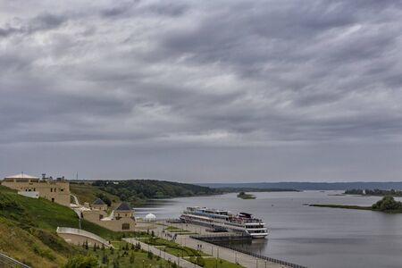 the river ship at the pier. 免版税图像