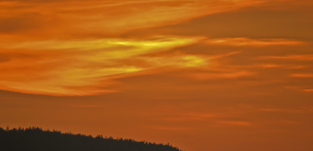 The sky at sunset in the northern regions of Russia. Standard-Bild