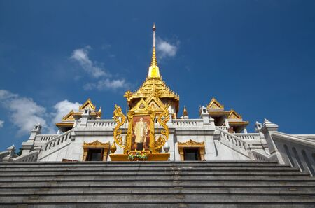 Wat Trimitr is the old temple in bangkok  it
