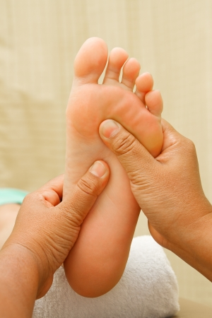 reflexology: reflexology foot massage, foot spa treatment