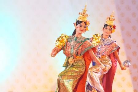 wat bowon: BANGKOK, THAILAND - JANUARY 15:  actors performs Thai Traditional ancient dancing Art ,Khon Thai Classical masked ballet, January 15, 2012 at Wat bowonivet annual festival ,bangkok thailand