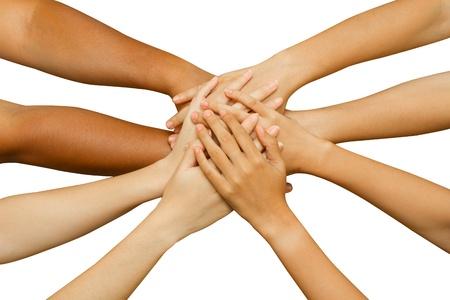 ensemble mains: �quipe montrant l'unit�, les gens mettent leurs mains, concept de travail avec succ�s des gens d'affaires ou d'une �quipe sur fond blanc Banque d'images