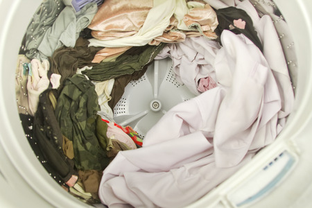 many clothes in washing machine