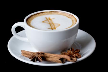 tazas de cafe: Muestra de d�lar en latte arte taza de caf� Foto de archivo