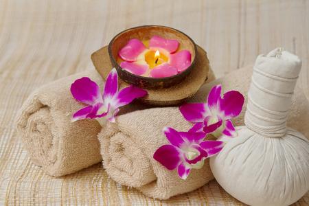 Thai Spa et massage, sain et beau sur le bambou fond