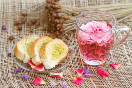 afternoon break: Afternoon tea break, rose tea with in the garden Stock Photo