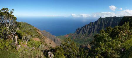 na: Wide angle view of the Kalalau Valley along the Na Pali Coast on the north shore of Kauai, Hawaii Stock Photo
