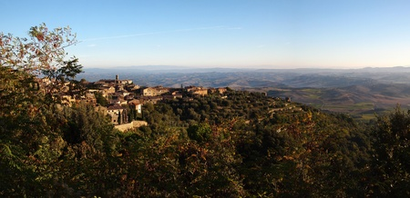 val dorcia: Hilltop town overlooking the Val d'Orcia in Tuscany, Italy.