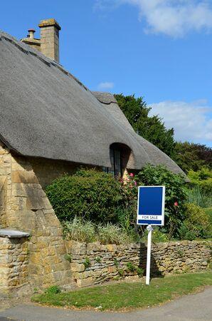cotswold: Capanna Caratteristico per la vendita costruito in pietra del Cotswold nella citt� di Chipping Campden nel Cotswolds, Gloucestershire, Inghilterra, Regno Unito