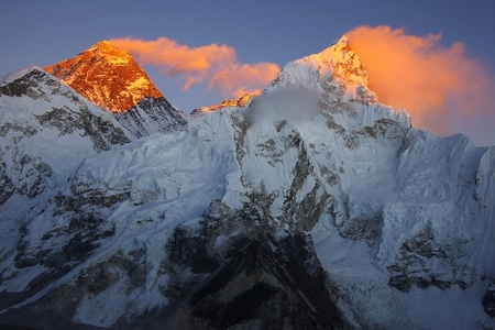 mount everest: Top of the world Everest 8848m and Nupse 7864m from Kalapattar, 5545m