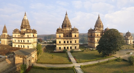 madhya pradesh: Picturesque landscape with cenotaphs. Orcha, India Stock Photo