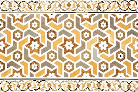 Details van gepolijst marmer oppervlak is bedekt met stenen ingelegd Agra, India
