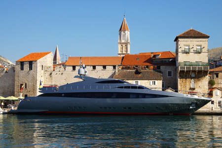 cruis: Ancient city and the modern yacht in a Trogir city, Croatia