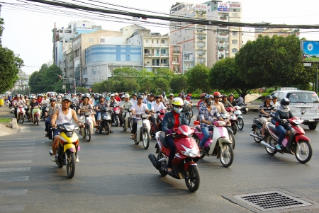 HANOI, VIETNAM-19 februari: Verkeer op Hanoi street, Hanoi, Vietnam. 19 februari 2011 in Hanoi, Vietnam