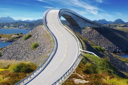 Picturesque Norway nature landscape with bridge. Atlanterhavsvegen Archivio Fotografico