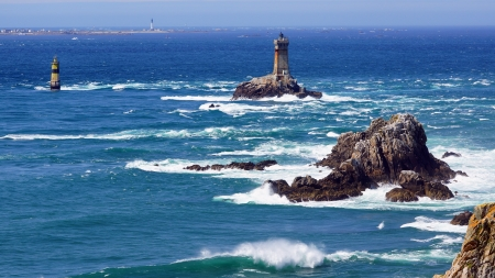gale: Lighthouse on Cape Sizun, Pointe du Raz
