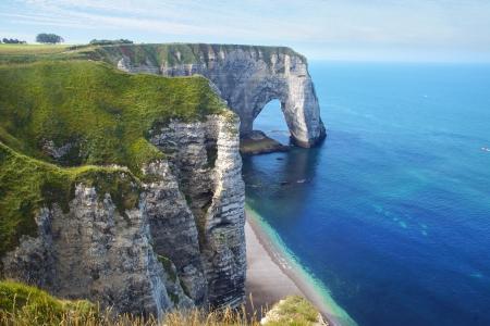 Chalk cliffs at Cote d'Albatre. Etretat, France Standard-Bild