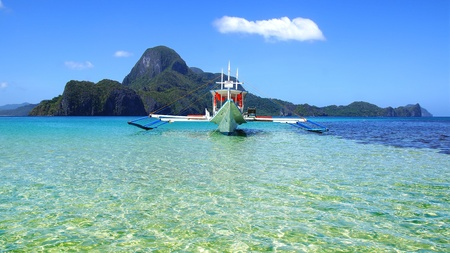 apo: Picturesque seascape with boat  El Nido, Philippines