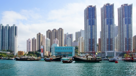 HONG KONG - FEBRUARY 16: Traditional junks in the Aberdeen Bay. Famous  floating village in Aberdeen is an area and town on the south shore of Hong Kong Island on Febuary 16, 2013 in Hong Kong.