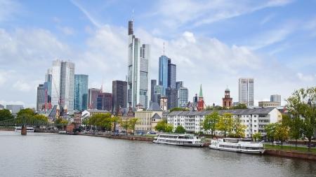 Panorama van Frankfurt am Main, Duitsland Redactioneel