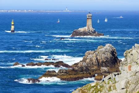 Vuurtoren op Kaap Sizun, Pointe du Raz. Bretagne, Frankrijk Stockfoto