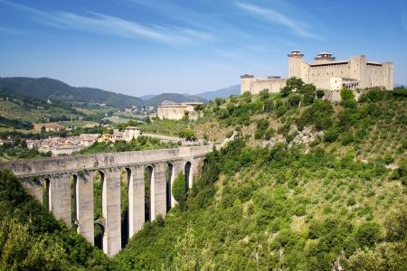 Aquaduct in Spoleto, Ponte delle Torri Umbrië, Italië