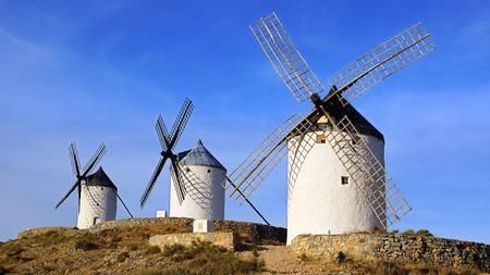 MOLINOS DE VIENTO: Molinos de viento en Consuegra, provincia de Toledo, Castilla-La Mancha, España