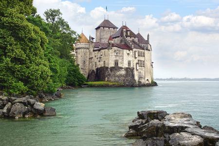 castillos: Castillo de Chillon Castillo -Chillon en Suiza. Editorial