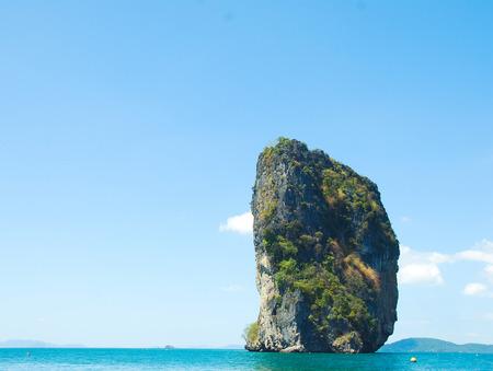 Beautiful Mountain peak and sea water in Krabi, Thailand. 版權商用圖片