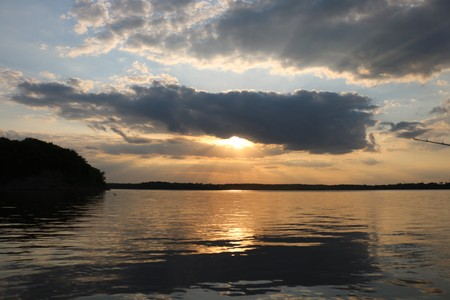 sun rays on the lake Imagens