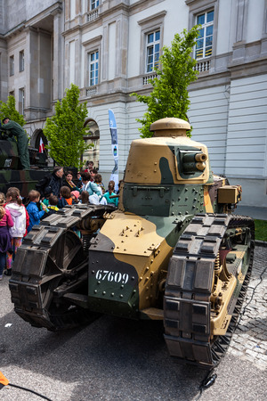 Tank Renault FT 17 tracked armoured vehicle