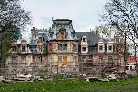 devastated: Devastated Palace, neo renaissance manor house, Guzow