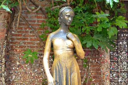 Juliet statue in Verona