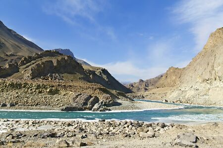 bessegen: Indus mountain river in the Himalayas