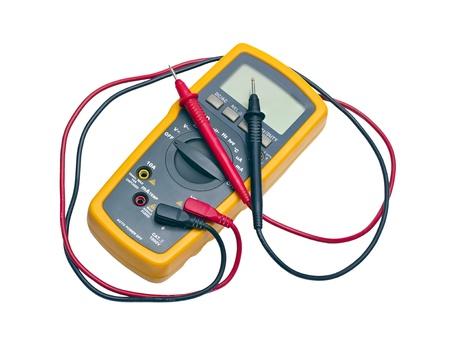노란색 디지털 멀티 미터는 흰색 배경에 고립