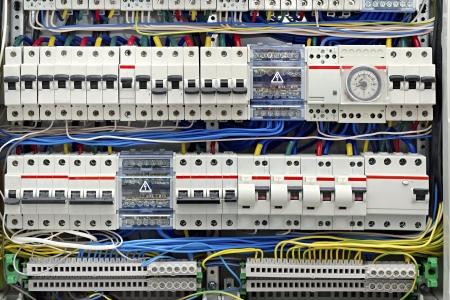 circuitos electricos: cuadro el�ctrico con el primer fusibles Foto de archivo