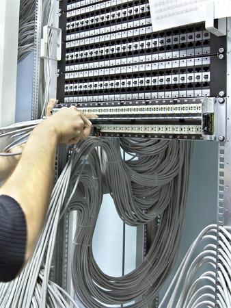 cable red: paneles de conexión de red de montaje