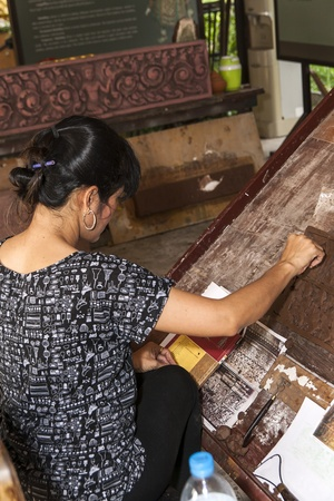 Carved woman in thailand she is better Concentration