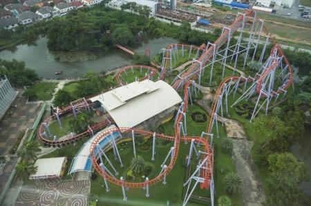 Roller Coaster in Vogelperspektive Standard-Bild - 21746941